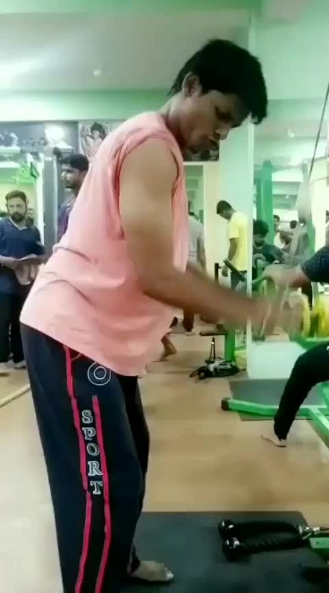 Triceps💪 Cable🏋♀ Push down #triceps #tricepsday #tricepsworkout #workoutroutine #workoutmode #workoutmotivation #fitness #fitnessindia #fitnessblogger #fitnesschallenge #humfittohindiafit @roposocontests #fitnessphysique #fitnesslover #gabru #roposogabruchannel