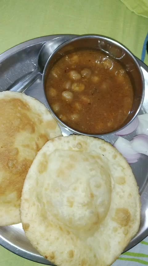 Chole Bhature ❤ #hungryalways #hungrytv #roposo-food #foodblogger