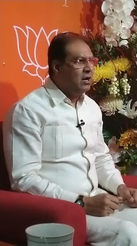 साध्वी प्रज्ञा ठाकुर को लेकर योगी के मुस्लिम मंत्री का ऐसा बयान आया सामने  #roposoexclusive #mohsinraza #saadhvi #loksabhaelections2019