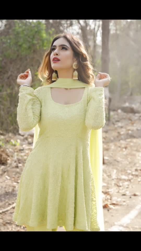 Summer style Desi Look 💚💚💚💚 : Outfit by  @ritikaaroracouture Photography @ilmanaazphotography1 📸 Makeup hair by @nexlookbyneha.raj  Jewellery - @theofficialdoro  Stylist- @khushikarwa54 😍  #gogreen #green #shootdiaries  #photoshoot #desigirl #desilook #indianbeauty #punjabi #meriwalisardarni #punjabigirl #neongreen #salwarsuit #sakhiyaangirl #punjabisuits #punjabiactress #pollywood #bollywood #moodgram #nehamalik #model #actor #blogger #instagram #instadaily