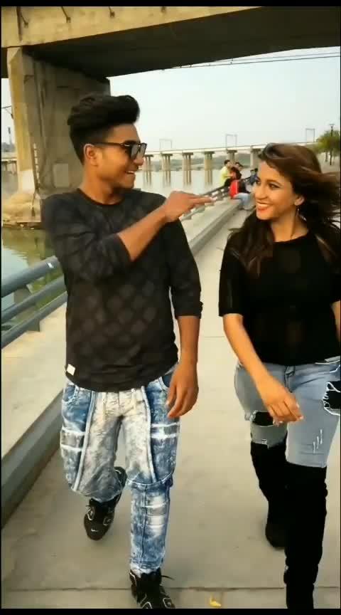@ahmedavadi_girl #gujju#bollywoodsong#roposo#roposogujju#ahmedavadigang#like4like#featureme#foryou#foryoupage
