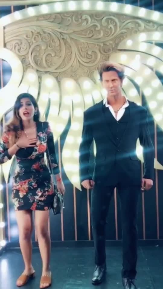 Dancing with HRITHIK!!