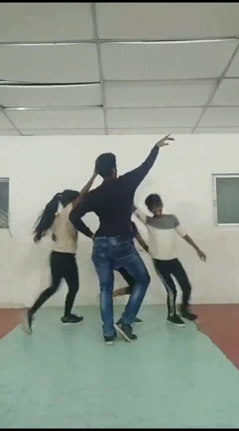 #penne_unnathu #girls_choreo #roposo
