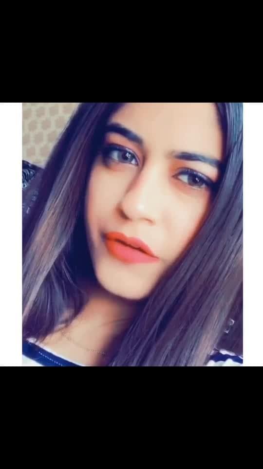 Tere baare♥️🌏  #risingstar #mish5nov #roposo #roposostar #trending #punjabi #terebare #terebaare #karanrandhawa #karanrandhawa #lipsync #singer #ootd #smile #beautiful #hahatv #guri #jassmanak #famous #blogger