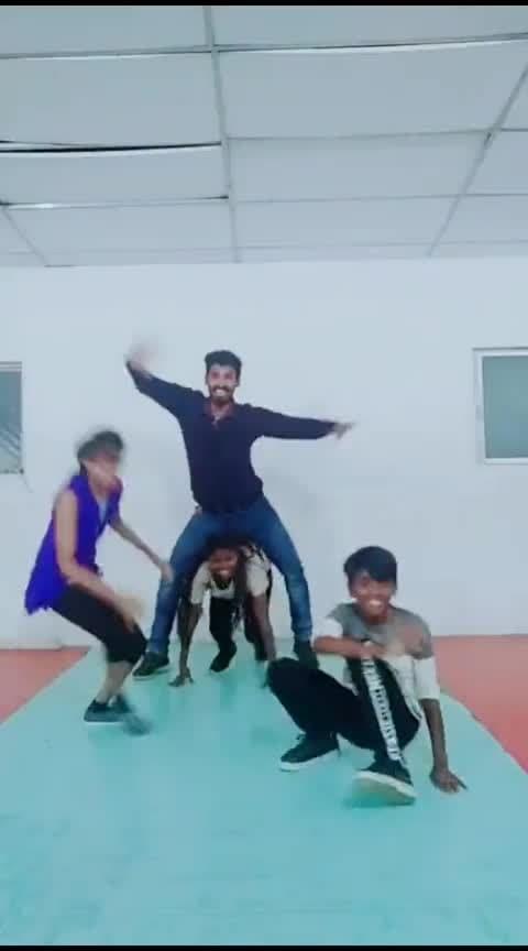 dance for puriyatha lyric😂 #roposo-dancers #akshipappa #acchupappa #mike #sugi #manisugi #cbe