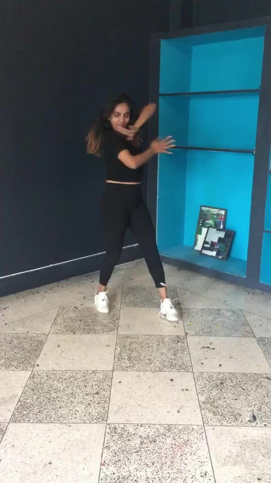 Maine tere liye💃🏻 #dance #roposo-dance #desi-dance #dancelovers #roposofamily #roposolove #ropososexy #roposo-dailywishes @roposotalks