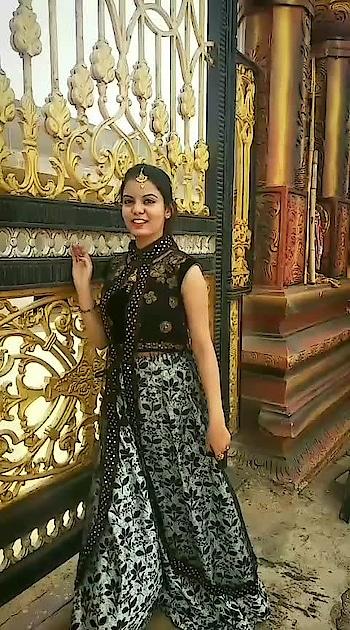 Indo western look #roposoness #featurethisvideo #risingstarschannel #soroposofashion #beatschannel #filmistaanchannel #bollywood #slowmotionchallenge #merenaamtu
