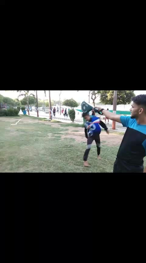#morningworkout #taekwondokicks #taekwondotraining #practicetime #ahmedabad #ahmedabadi #gujarat #gujju_the_great #gujju #gujaratis #gujjumemes