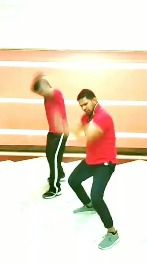 #bakisabfirstclasshai #firstclass #bollywooddance #kalanksong #Lakshyadanceunlimited