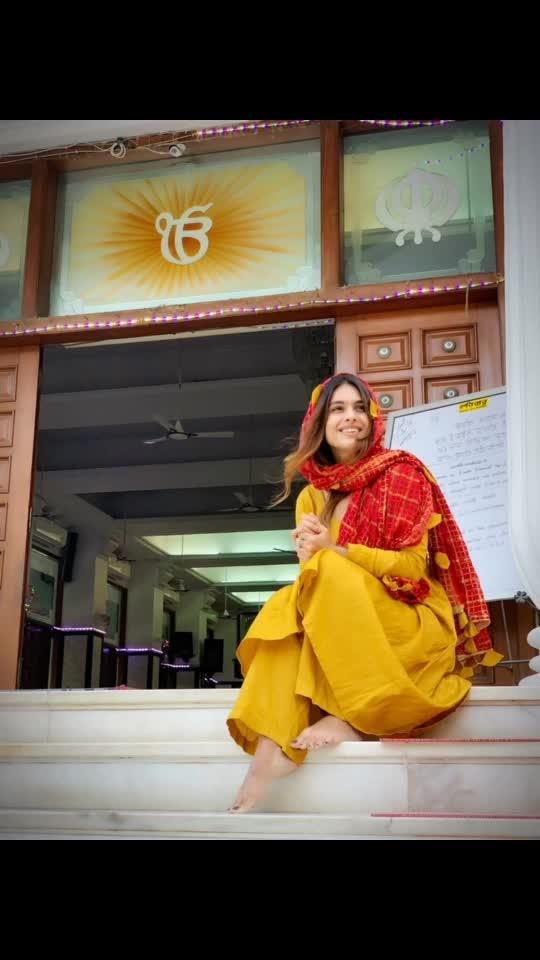 Dhan Dhan Shri Guru Tegh Bahadur Sahib Ji De Prakash Purab Di Lakh Lakh Wadhayian ..😇🙏🙏 : May the teaching of the Guru reflect goodness And compassion in you..and bring into your life,The glow of happiness & prosperity...!! Warm wishes to you all  on the Gurupurab 🙏🙏😇😇 : #blessed #gurupurab #guruteghbahadursahibji #gurupurab2019 #blessings #prayers #peace #peaceofmind #waheguruji #blessedday #godbless #godblessyouall #indianfestival #punjabifestival #punjabi #punjabisuits #punjabiactress #pollywood #nehamalik #model #actor #blogger #sakhiyaangirl #merewalisardarni #instagram #instagood #follow