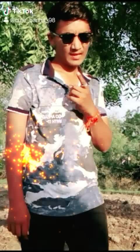 kay baat hi #gujju #gujjuswag #gujaratblogger #gujjuness #gujaratis #hero #gujju_the_great #hits