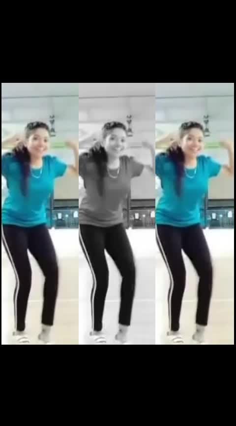 Rokun pahu nka ..❤🙈 #marathilavani#risingstar #ropo-marathi #marathimulgi #marathigaani #marathimusically #marathi #roposo-dance