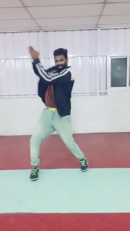 En pondati nee thandi 😍😜💃 #golisoda2 #tamilpadam #roposo-dance #roposo-dancer #roposo-tamil #roposo-style #manibhai #cbe #coimbatore