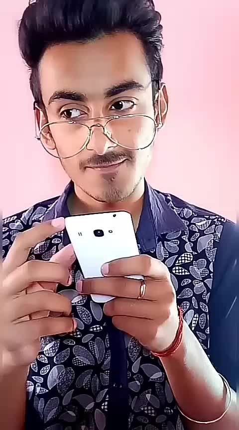 kya pol khol di 😂😂 #videoshoot #ropo-video  #video   #roposo-style #roposo #singh #lucknow #lucknowblogger #followformore #follwoforfollow #roposo #new-style #funnyvideos #funnyvines #funnyquotes #funny #roposo-style #use #hastag #amritesh #challenge #goodevening  #roposostar @roposocontests #acting