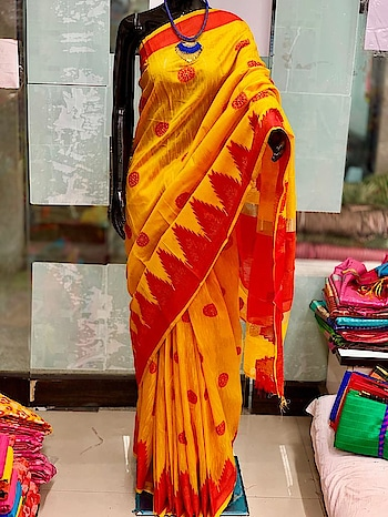 *****Simple and Fashionable****** Raw Silk Saree with contrast Temple Border with all over weaving buttas with blouse piece available in 4 variety of colors shipment extra Contact or WA : 98254 42027 #traditional #sarees #saris #thebazaar #party-wear #online-shopping #wedding-outfits