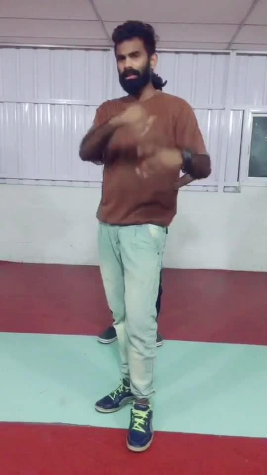 Aambalaikum pombalaikum avasaram 😍😂🕺🏻 #kazhugu #krishna #roposo-dancer #roposo-dance #roposo-tamil #roposo-style #manibhai #cbe #coimbatore
