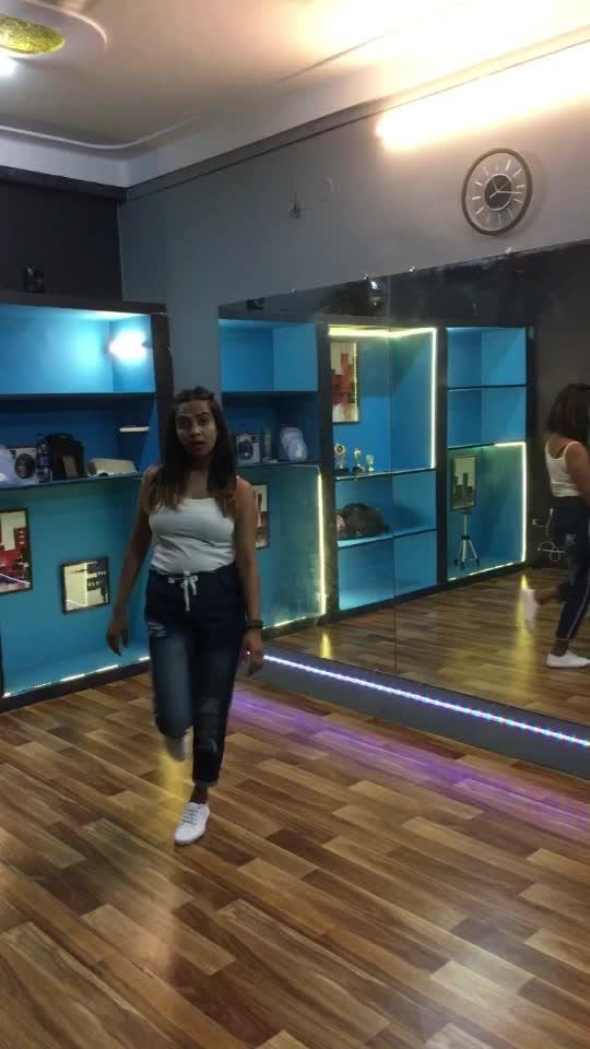 Aila re  #roposo #dance #roposo-dance #roposo-trending #punjabi