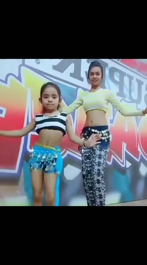 osm dance girls #roposodance #indiantalents #allstars #love-hindi #loveing #bestdancer #fullvideo #-----roposo #roposo-hindi #best-song #trend-alert #express_your_love