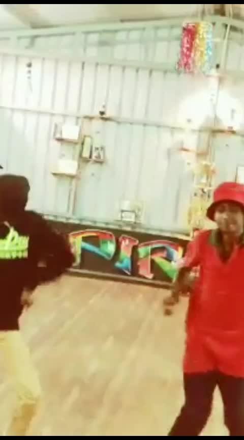 manjala veyil choreography part-2#roposodance #roposo-dancer #roposobeats #dancechoreography