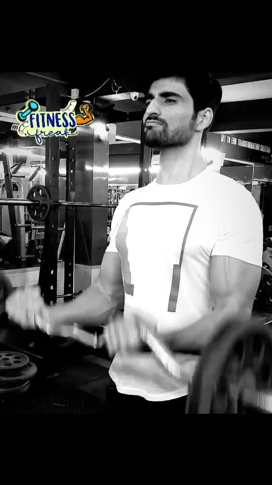 #fitness #fitnessfreak #fitnessgoals #motivation #gym #gymlovers #eatclean #biceps #workout #workoutmotivation #feautureme #roposofitness #fitnessfreak