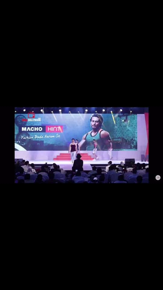 Show for macho hint , with #tigershroff #rampwalk #fashion #roposo #ropostar #ropso-star #roposolove