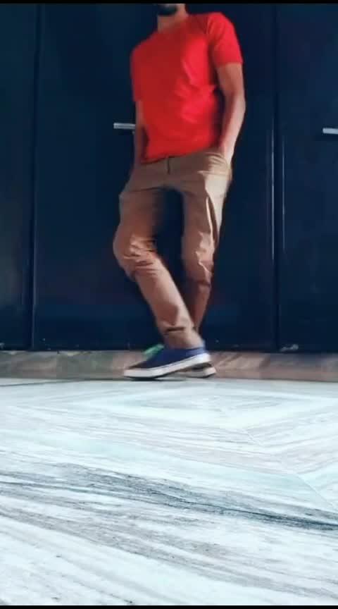 always love to dance in my own way😍 #worlddanceday #footwork