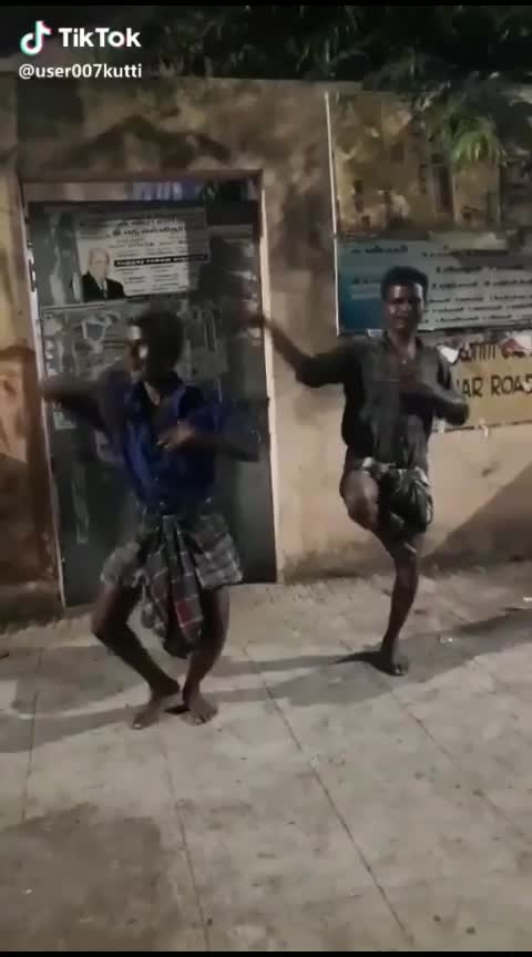 #drinkers #roposo-dance #roposo-beats #roposoness #roposofunny Drinking makes Dancer