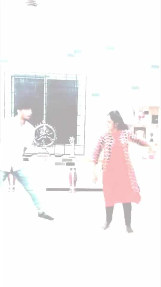 Anna 😍  #prabhudmoves #reshmarangasamy #reshma #roposo #dance #roposo-dance #ropo-dance #best-dance #dancer #dancerslife #coimbatore #tamilsong #gundumanga