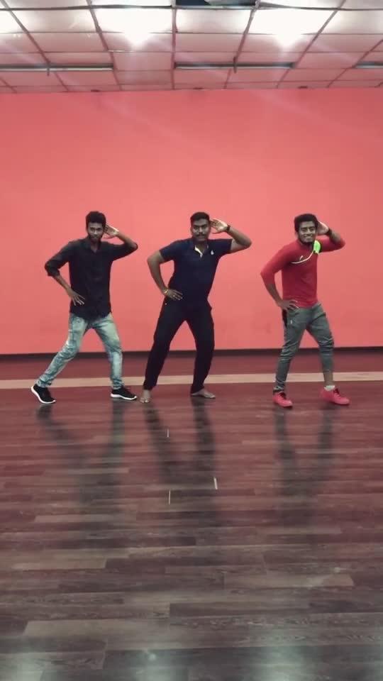 Rowdy baby 😂❤️ #worlddanceday #rowdybaby #roposo #dance #roposo-dance
