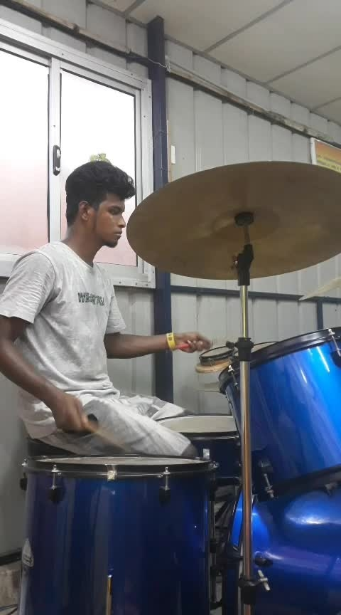 #jammublogger #jamming #fock #simply #roposoness #roposo-on-music #roposo-music #drums-of-heaven #ropo-ropo