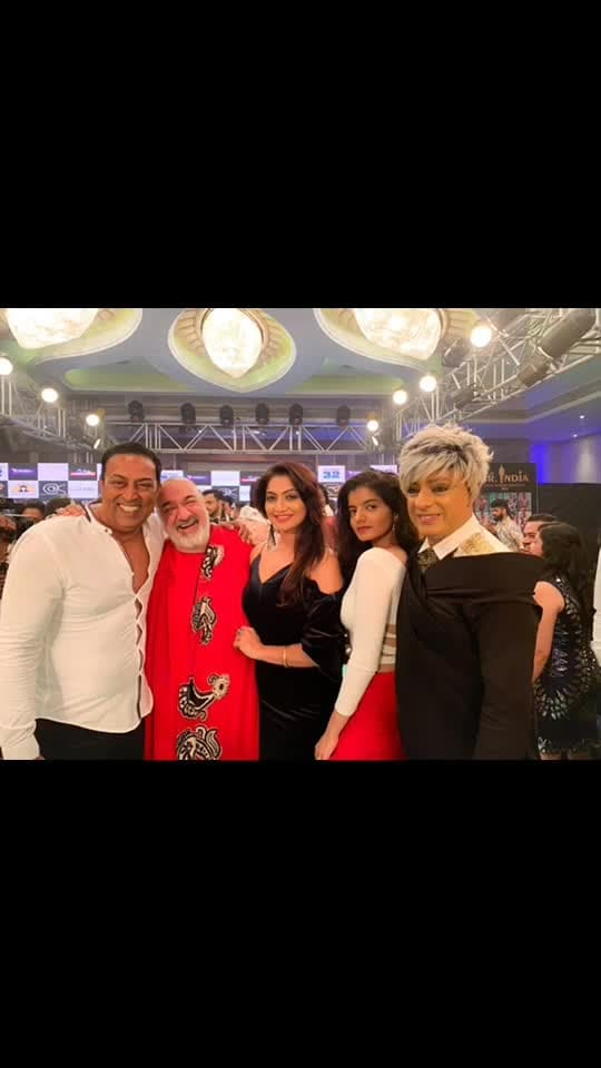 #aboutlastnight Beautiful nights has beautiful mornings ... with my dear ##Rohitverma #designer #fashion #rubarumisterindia2018 #radhikaraman #vindudarasingh #parulchawla #rakeshpaul #priyanshinagpal #kawaljitsingh #seaprincesshotel