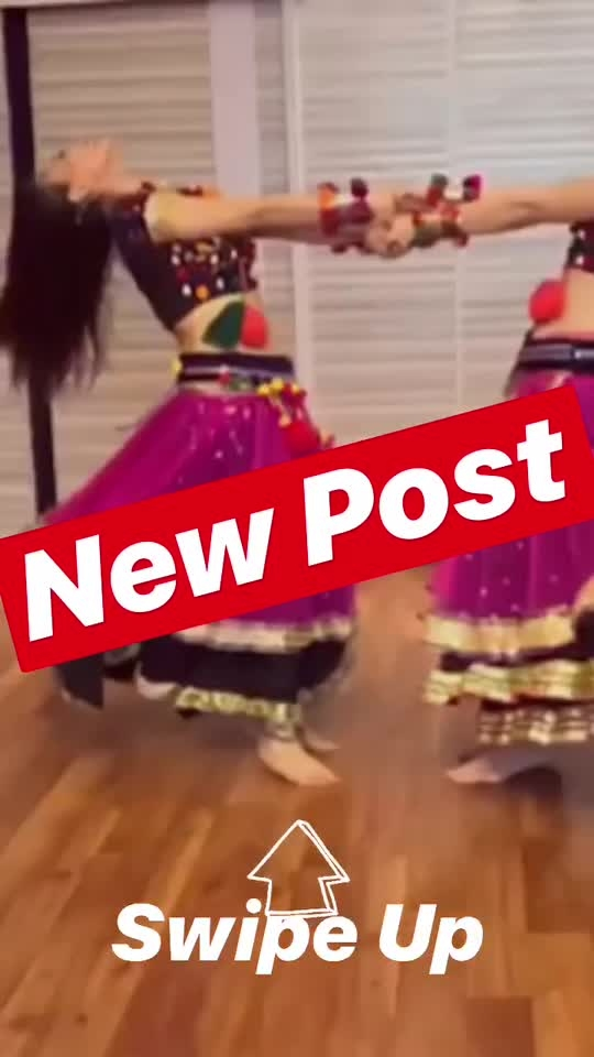 "https://youtu.be/OroYo0pFKm8 👆🏻 ""Choli ke Peeche"" dance Video 🔥🔥 Watch @heli_daruwala sizzle the screen with her moves. She is the perfect combo of beauty with brains & tons of hotness .. Enjoyed every bit & every second with you. Thank you & love you dear!!! 🌸 You can checkout the full video on my YouTube channel 🔔 ___________________________ Artists : @heli_daruwala @proneetaswargiary  Director : @vijaypattery  Choreography & Edited By: @proneetaswargiary  __________________________ Tags : #proneetaswargiary #proneetavijay #helidaruwala #madhuridixit #cholikepeeche #dance #bollywood #choreography"