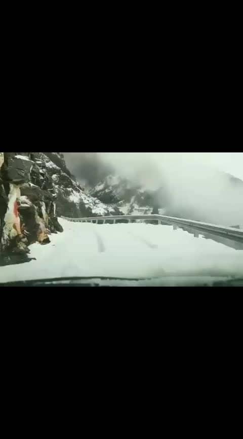 awsm snow travelling!!❄⛄ #snow #snowfall #travelling #songs #bestsong #ride #frnds #outing #himaliya #himalayas #trip #wintertime #lovenature #natural #heavenonearth #uk #uttrakhand #mussoorie #chopta