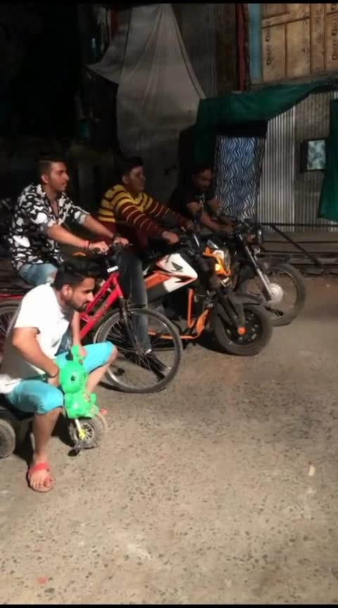 #roposo-funny #sofunnyvideo #roposo-funny #funnyrace #race #racers