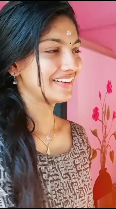 sarakku vachirukken #tamiluser #unbottleapnaswag #poweryourstyle #trippin