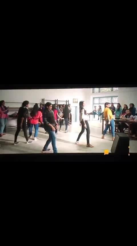Oru Yamandan premakadha #dulquer #love #fans #roposo       #dulquersalman #movie #mass