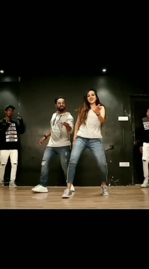 superb dance #allstars #dances #indiantalents #-----roposo #roposodancing #best-song #roposo-video #perfomance #ropo-ropo #danceing