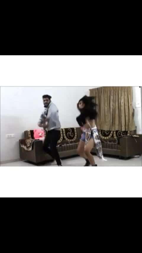 Shy Mora saiyaan #shymorasaiyaan #dance #roposo-dance #duet #gaana