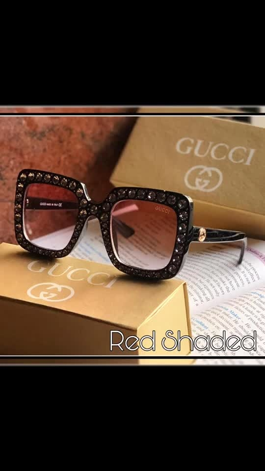 ♠️ SUMMER SALE ♠️   GUCCI 📦 Unisex sunglass 👓 CELEBRITY GLARES  UV-ultra Violet LENS🕶 Wid GUCCI CLOTH & OG KIT  *Rate @ RS dm  + ⛵/-*  GRAB IT    ✅