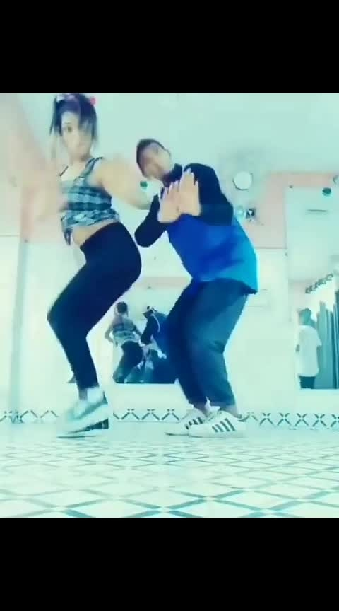 #swaegisuraj #Tom and#jerry #sexy#hot #sonalrajput #sharara sharara song #tiktokers #tiktokmalaysia