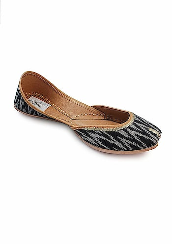 """EKTA Women bridal jutti for wedding Ethnic Punjabi Jutti Khussa Shoes  Rs: 1,416  Featuring a pure cotton fabric upper that's emblazoned with an ikat pattern, these handcrafted juttis with a cushioned inner sole celebrate desi elegance.Inspired from the waves, """"Leherein"""" in hindi  https://amzn.to/2Viz3x5"""