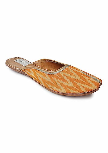 """Ekta Women Handcrafted Ethnic Punjabi Jutti Casual/Party Wear Belly/Juti/Mojri/Flats sandals/Backless/Slipons For Girls  Rs: 1,320   Featuring an ikat pattern, a pure cotton upper, and a cushioned inner sole, these back-open handcrafted juttis redefine casual footwear.Inspired from the waves, """"Leherein"""" in hindi  https://amzn.to/2ZX7PL4"""