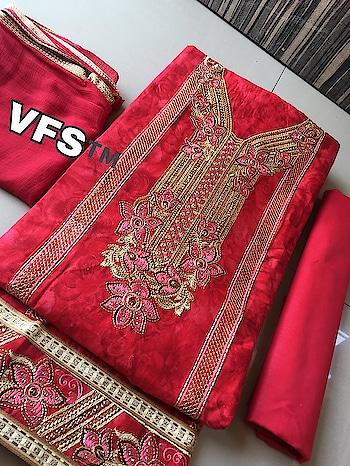 Best Selling Floral Printed Dress Material ❣ PRICE: 1550/- *TOP:- Silk *Bottom:- Cotton *DUPATTA:- Chiffon To Order WhatsApp us (+91) 8097909000 * * * * #salwar #salwarsuits #dress #floralprinted #floral #lovefloral #dresses #longsuits #dressmaterial #chiffondupatta #suitswithdupatta #suitsonline #embroidered #onlinefloralsuit #floral #printedsuits #printed #straightsuits #dupatta #designerdupattaonline
