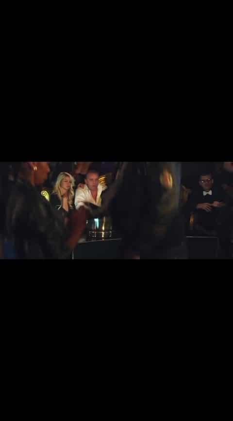 on the floor #jennifer #roposo-beats #holloywood #roposo_dance #beatschannel #pitbull #on_the_floor #hitsongs