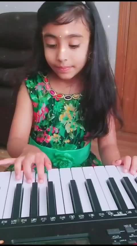 part 2 :5yrold laasya  wishing superstar #maheshbabu  and team by playing #chotichotibaatein #chotichotibaateinsong ❤ #dsp #mahesh-babu #maheshbabufans #laasya #littlegirl #girlslikeyou #roposoness #roposostar #roposotv #pianolove #msharshimay9th #childprodigy #littlemaestro