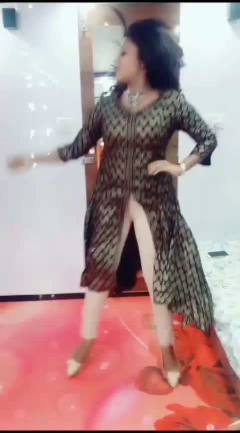 #rehma  #roposostar #roposo_star #roposo_dance #roposostarchannel #vijaytelevision #tamil-actress #malar #roposorisingstar #dishyum #vijayantony #vijayantonymusical