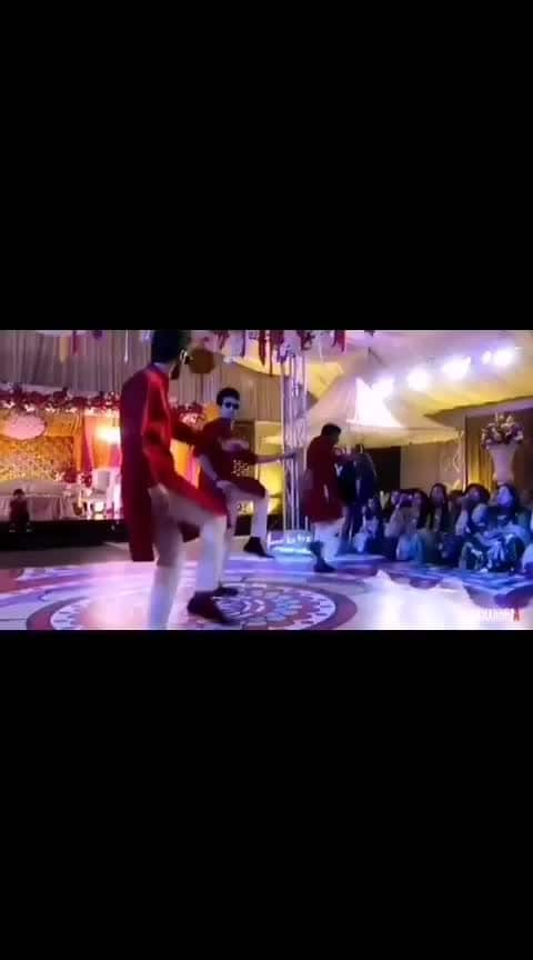 Totally glued to this sangeet dance performance and the way these boys totally owned the dance floor! . . . Tag your groom-to-be and tell him to start practising the dance steps already! . . . #sangeetdances #sangeet #sangeetoutfit #sangeetdance #weddingdances #weddingdance #weddingdancefloor #dancevideos #danceperformance #dancecoreography