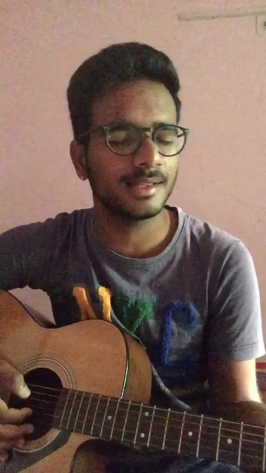 Ghar aaja pardesi 😔 / share with your friends and family 🤗  #guitar #guitarcover #guitarsolo #guitarist #guitarplayer #guitarsinger #singer #roposostar #talent #roposo-talent #roposoartist #roposostar #roposotrending #musician #musicstar #voice #vocal