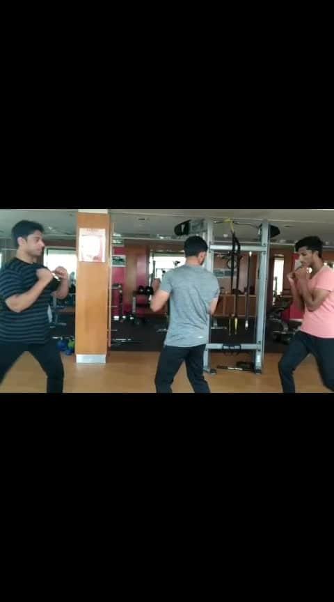 Self defence class teaching time #attack #boxingfitness #boxers #kicks #jp_fitness_trainer #jsfitnesszone #hyderabad #banjarahills #motivation