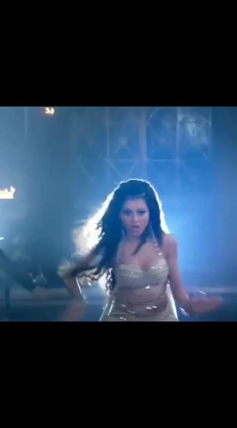 urvashi #dance #beats #urvashi_rautela #roposo-star #roposo-dance #roposo-beats